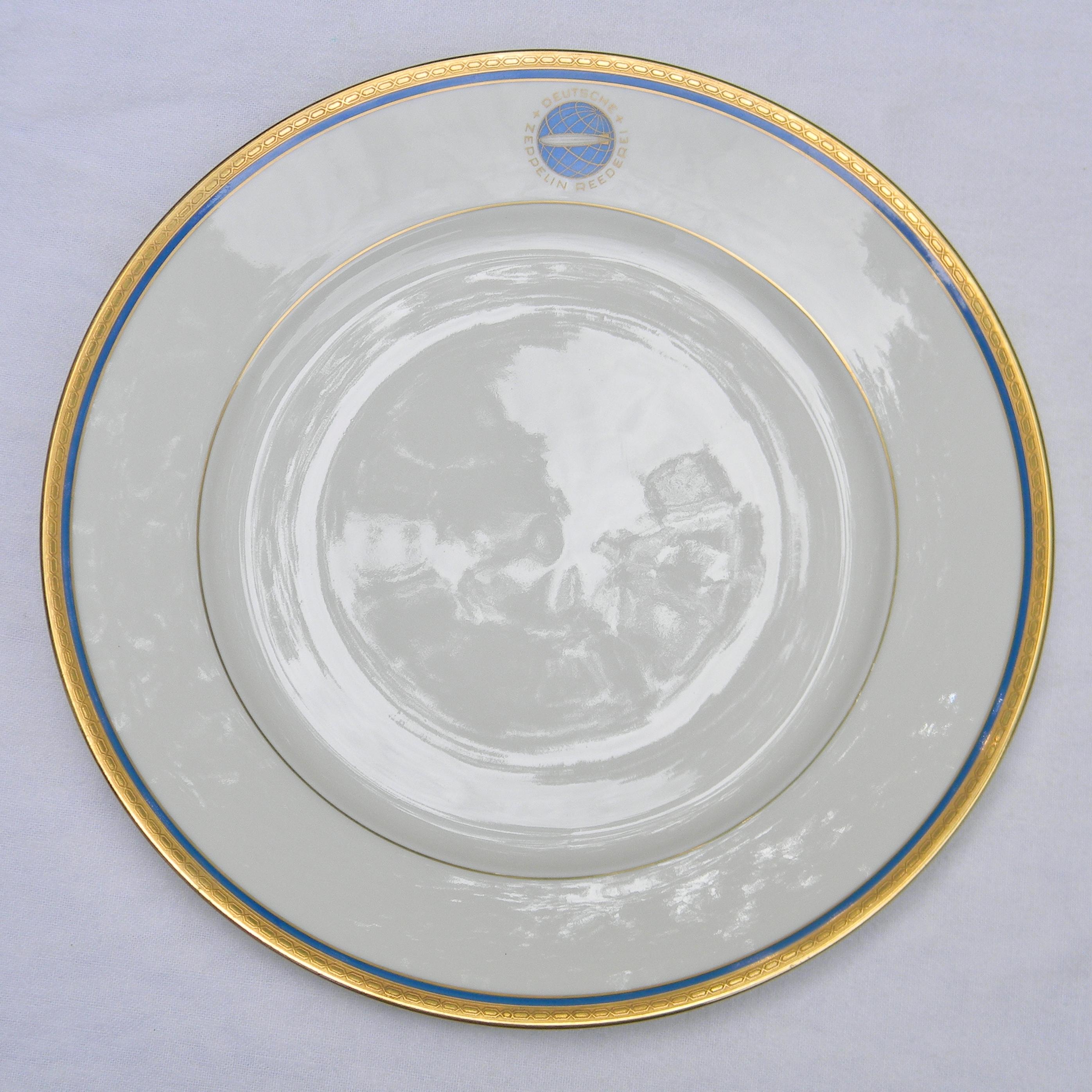 GRAF ZEPPELIN airship 9-5 inch dinner plate DEUTSCHE ZEPPELIN REEDEREI Heinrich Co  sc 1 st  Argo Coins u0026 Collectables & GRAF ZEPPELIN airship 9-5 inch dinner plate DEUTSCHE ZEPPELIN ...
