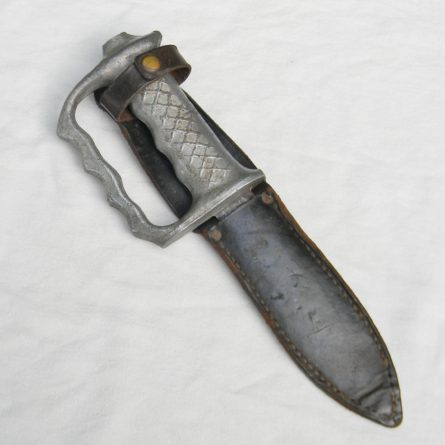 AKE New Zealand WW2 knuckle duster fighting knife