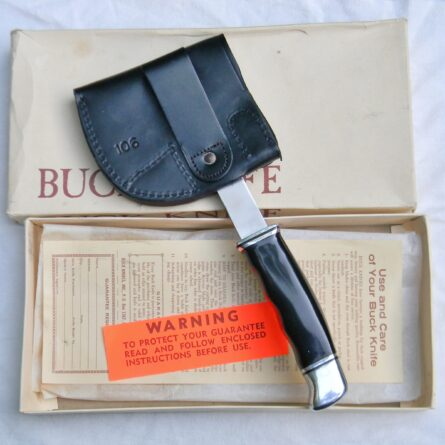 BUCK USA model 106 Hatchet