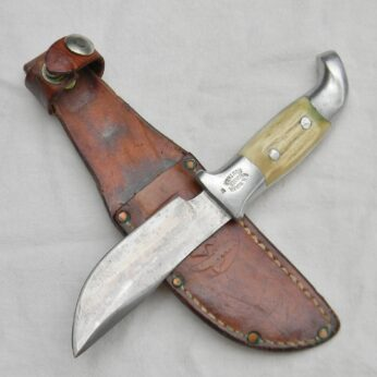 Ruana model 13A hunter-skinner knife