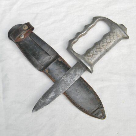 AKE New Zealand WW2 fighting knife