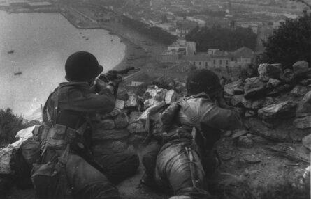 WW2 Anzio landing US sharpshooters-British dagger